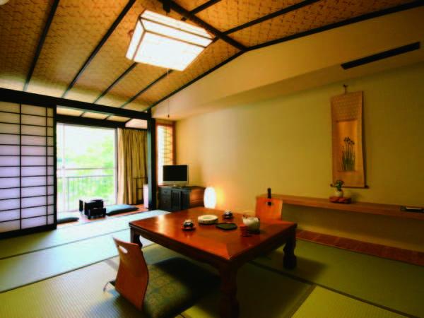 【和室/一例】客室の広さは宿お任せ。天降川を望む全室禁煙