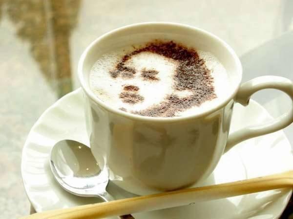 【竜馬ラテ】フロント前のコーヒーコーナーで好評販売中