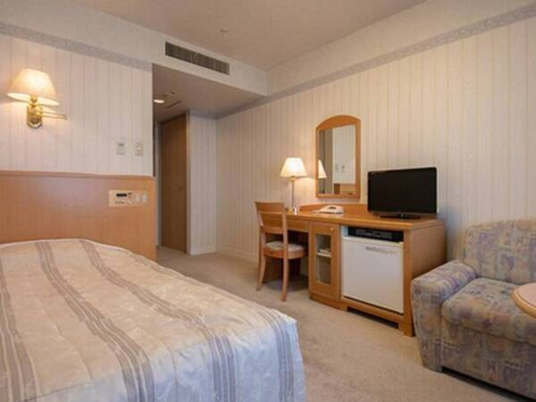 【ダブル/一例】ベッドはシングルサイズです
