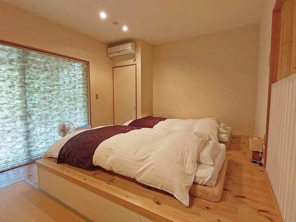【Bタイプ/庭一例】大きな窓より庭に出ることができ、自然をめい一杯感じることができます