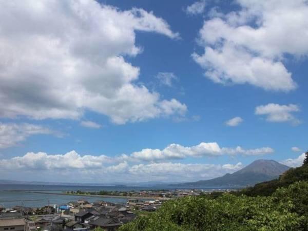 【桜島】天気の良い日は錦江湾も輝いていますよ。