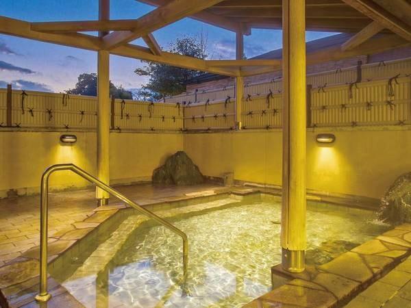 【ホテル ワイナリーヒル】人気の蟹は食べ放題!ワインの飲み放題も付いた約30種バイキングと源泉かけ流しの温泉を満喫!