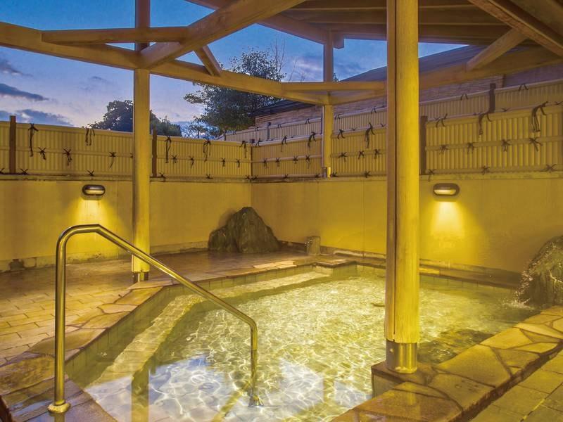 【露天風呂】伊豆地方では稀な高い効能の泉質の温泉を愉しめる