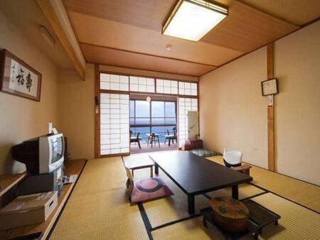 【和室/例】高台に立地。全室オーシャンビュー!熱川温泉の街並みも一望