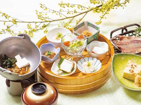【朝食/例】地元沼津より取り寄せたアジの干物をはじめホッと心がなごむ和食をご用意