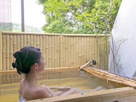 【露天風呂付客室】客室へは階段のご利用となるため、お値打ち価格でご利用可!/例