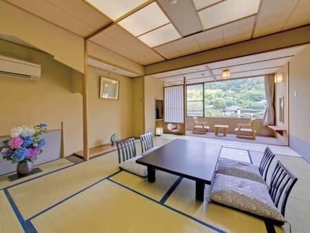 【12.5畳和室/例】純和風の数寄屋造り。木のぬくもりを感じる落ち着いた雰囲気の和室にご案内