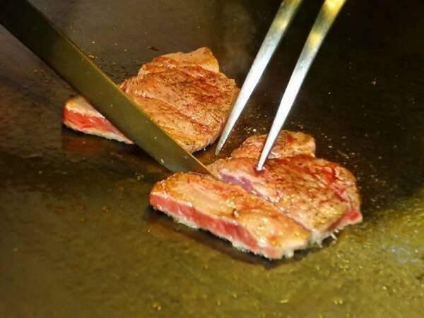 【バイキング/例】あつあつ牛ステーキ