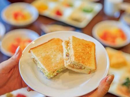 【朝食バイキング/例】トルコ発祥グルメ・鯖サンドをジュラクアレンジ♪
