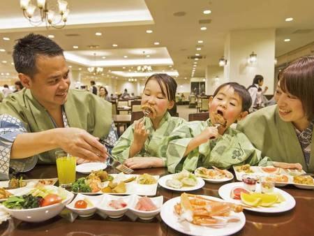 【食事会場/例】会話と食事を楽しむ