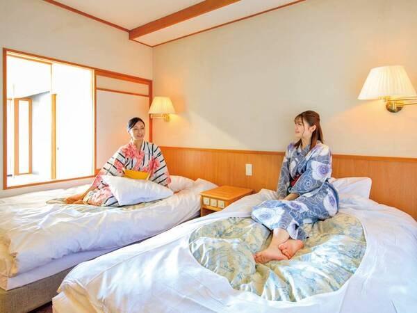 【和洋室/例】ツインベッドルームと和室でゆったり寛げる