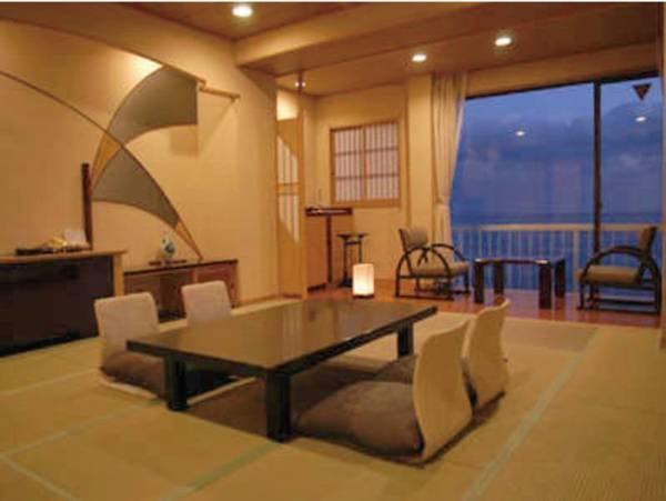 【オーシャンビュー高層階10畳和室/例】お部屋からは太平洋を見下ろし眺望抜群