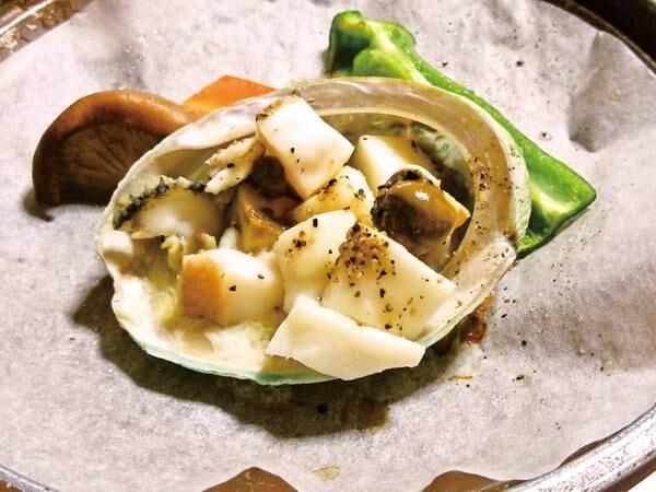 【夕食】量控えめの大特価!あわび山海焼きプランです。お料理は日替わりです(全8品)