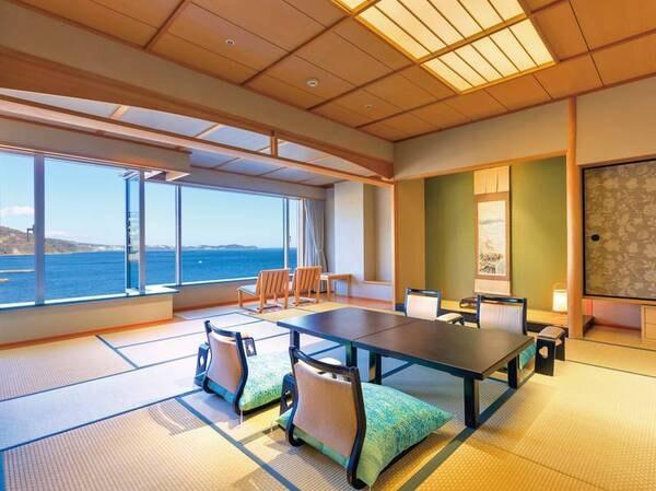 【和室/例】大きな窓から海と熱海市街の夜景を一望!