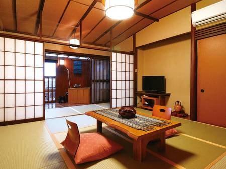 【客室/例】和室はゆったりお部屋食。ご夫婦でくつろげるこぢんまりとした客室