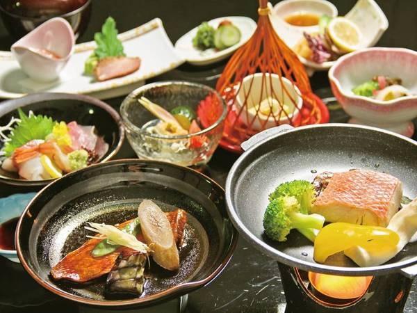 【夕食/例】下田産金目鯛の煮付け・旬のお造り盛りなど大満足の内容