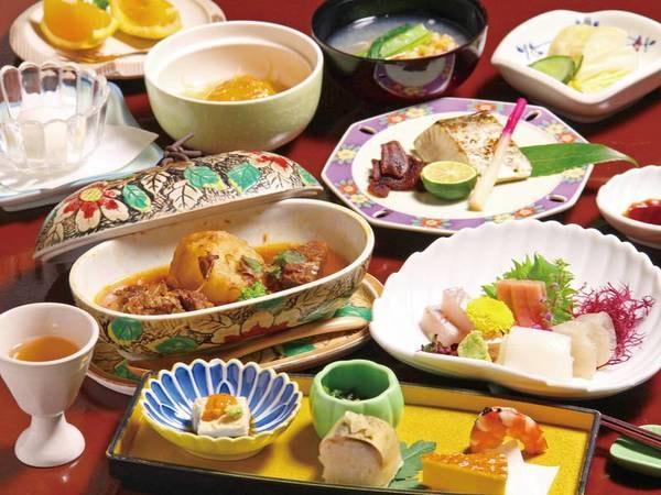 【夕食/例】夕・朝ともにゆったりお部屋食。季節折々の会席料理をご用意