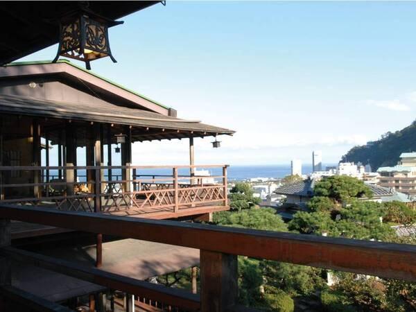 【眺望/例】月見台客室からの眺め。熱海の高台に建つ純和風旅館ならではの絶景!