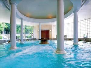【大理石クリスタル風呂】ヨーロピアンテイスト、リゾートフルな浴場で優雅な気分に ※総檜大浴場と入替制