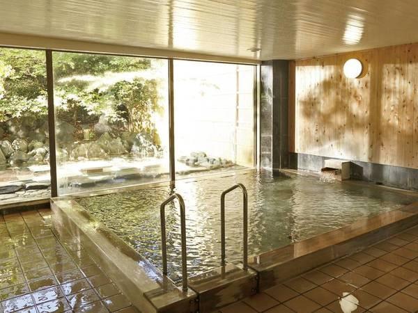 【大浴場】檜の香りに癒されのんびり寛げる