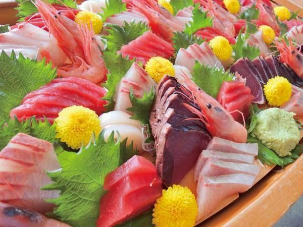 【夕食バイキング/例】お刺身や握り寿司等の鮮魚も充実