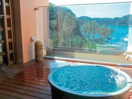 【客室露天風呂/例】全室に弓ヶ浜を望む露天風呂付き!