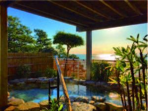 【露天風呂】晴天時の今井浜からの日の出は絶景