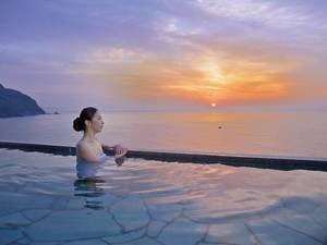 【望洋露天風呂】最上階にある開放感抜群の露天風呂