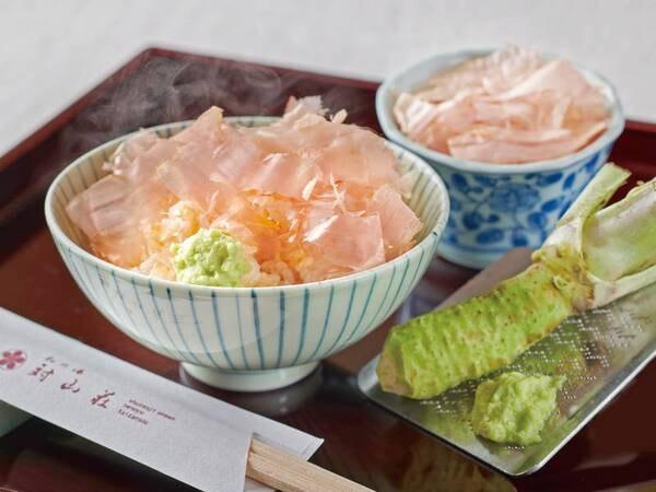 【朝食/例】伊豆名物の「わさび飯」。すりたてのわさびを熱々のご飯に乗せてどうぞ