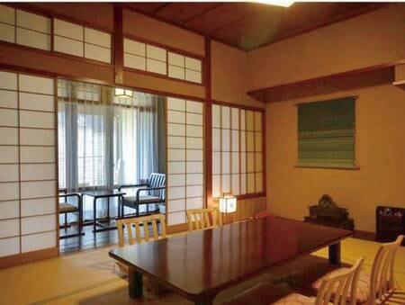 【和室/例】明治時代の書斎のような落ち着いた空間。客室の内風呂は多少小さめですが温泉を供給しております