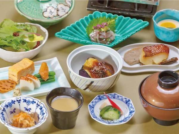 【朝食】和食or洋食で個人選択可能(和食・例)