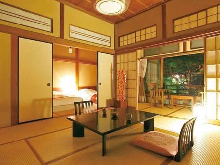 【本館和室次の間付/例】モダンな造りを取り入れた室内に和ベッドを配置したお部屋にご案内