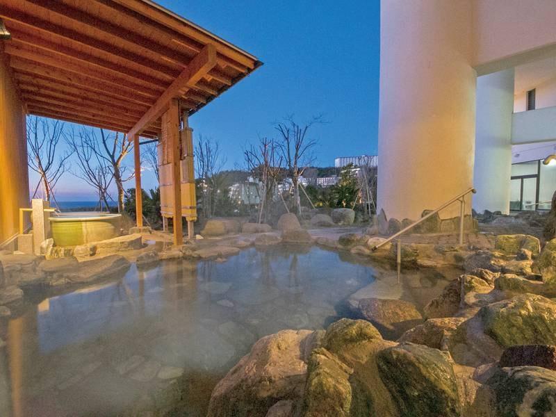 【露天風呂】海一望の絶景露天!かけ流し温泉を堪能