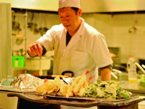 【夕食/例】揚げたて天ぷらなど実演料理も充実