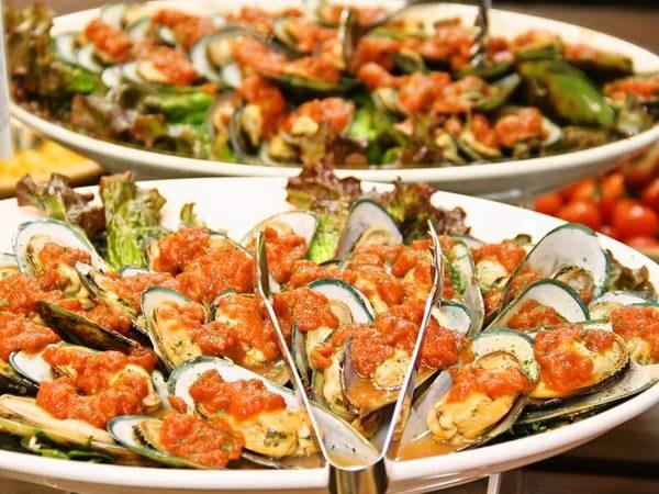 【夕食/例】ムール貝のグリルなど洋食もご用意
