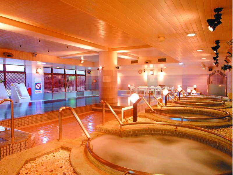 【クアハウス】温泉運動浴施設の利用が無料!水着着用だから家族みんなで楽しめる♪