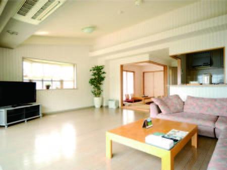 【和洋室/例】約17畳のリビング+ツインベッドルーム+6畳和室の広々2LDK!