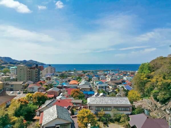 【詩季亭客室からの眺望/例】駿河湾と土肥の街並みを一望!
