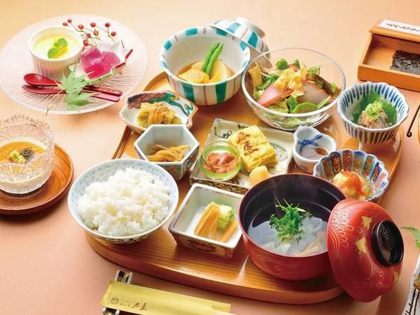 【朝食/例】伊豆の海の幸・山の幸をたっぷり使用した、朝から満足の和食膳