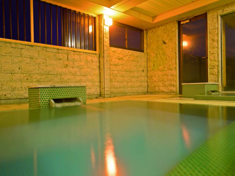 【大浴場】畳敷きが心地よい大浴場