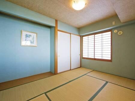 【2LDKオーシャンビュースイート・和室/例】ごろんと寝転んで寛げる和室