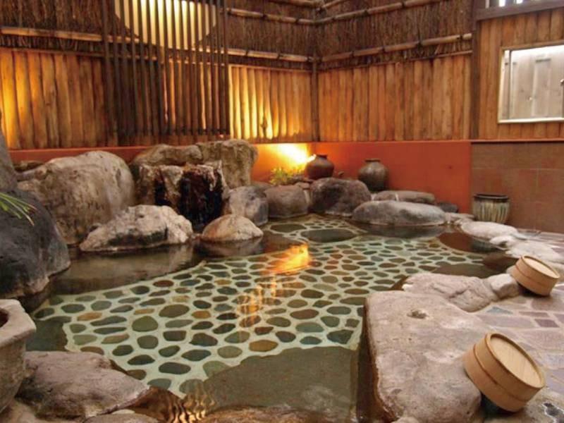 【大浴場】心地よい光が差し込む大浴場