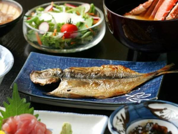 【朝食付き/例】脂が乗って大振りのアジの干物や手作り豆腐など、旨みたっぷり!