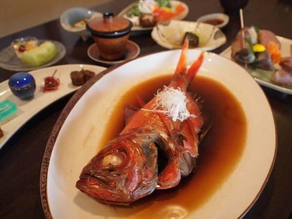 【金目鯛尽くし&地魚お造り会席/例】ふっくら金目鯛の姿煮
