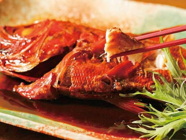 【金目鯛姿煮&金目鯛鍋・舟盛付プランの夕食/例】金目鯛の姿煮(グループ1尾)付!伊豆の名物料理を満喫
