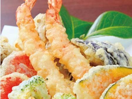 揚げたて天ぷらも食べ放題!/例