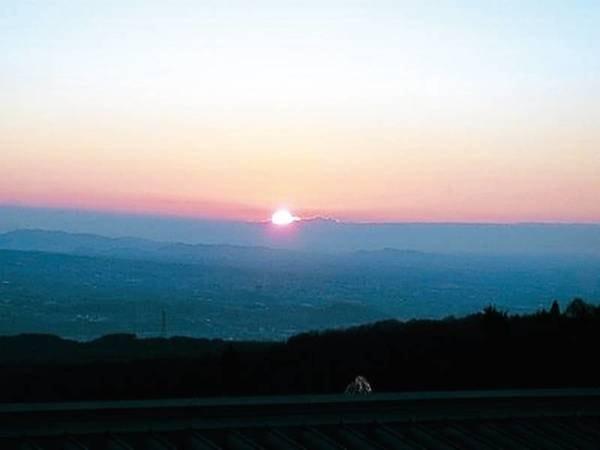 【眺望/例】日の出が館内から愉しめる