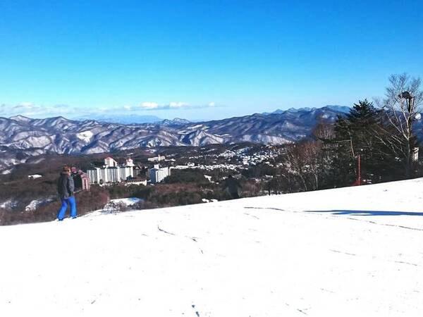 【周辺観光】草津温泉スキー場 冬はスキー、グリーンシーズンもジップラインなど、年中楽しめる