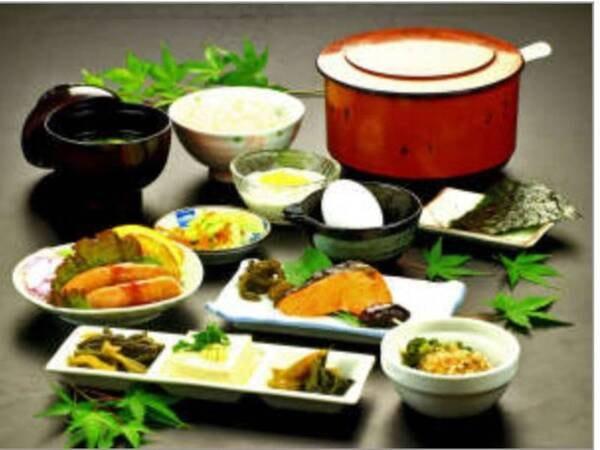 【和朝食一例】朝食はお部屋出しなので安心&気楽に楽しめます