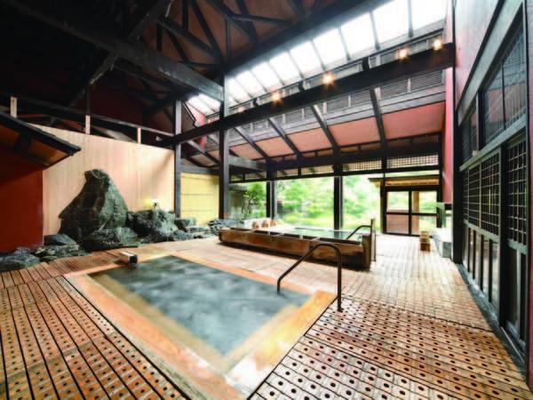 【豆富懐石 猿ヶ京ホテル】ホテル内の工房で作る豆富や湯葉でもてなす「豆富懐石」を目で舌で堪能。源泉かけ流しの野趣溢れる露天風呂など多彩な湯船で寛ぐ